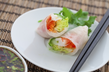 Rice paper rolls with prawns and dipping sauce Stock Photo - 18999466