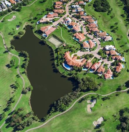 Luftaufnahme der australische Luxus-Golf-Nachbarschaft Standard-Bild - 21862900