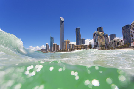 Waves rolling on Surfers Paradise beach on Gold Coast, Australia Banco de Imagens