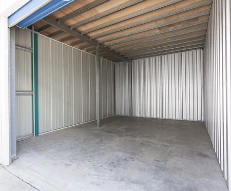 Empty aluminum garage with roller door Banque d'images