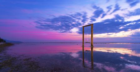 Sonnenuntergang auf der Insel Gili Trawangan in Indonesien Lizenzfreie Bilder - 39181895