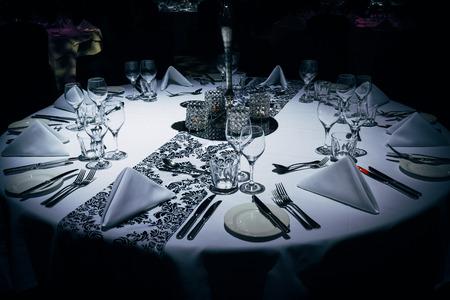 저녁 이벤트 고급 테이블 설정