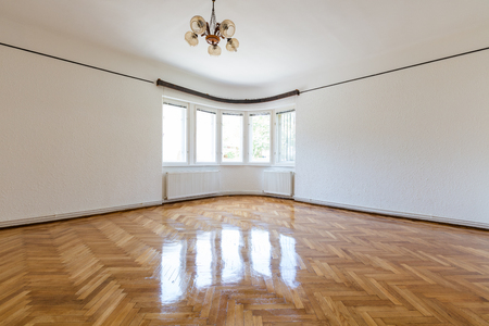 Empty freshly renovated old style european home interior Lizenzfreie Bilder
