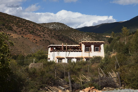 tibetan house: House in the Tibetan village