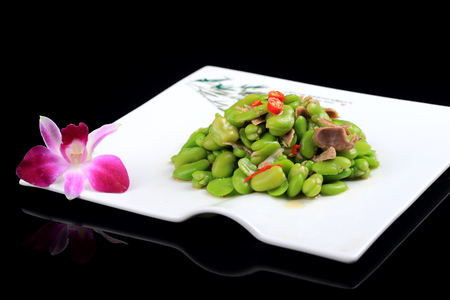 gizzard: China dish bean mix gizzards