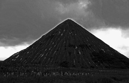 resulting: Man made mountain resulting from a quarry in Cornwall, UK Stock Photo