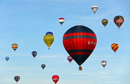 Bristol Balloon Fiesta, UK Saturday 8809 View of colouful hot air balloons taking off and flying