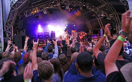 Festival de m�sica de Guilfest, Guildford, Reino Unido de 12 de julio de 2009 rock banda Motorhead tocando vivo heavy metal  Foto de archivo - 6886679