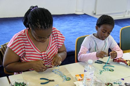 Elevating Success Group, Croydon, London, 13th August 2009 Family jewellery making course for parents and children Stock Photo - 6888169