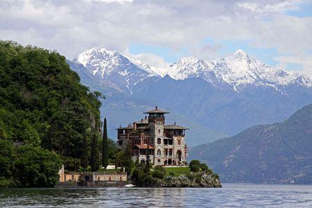 royale: Lago de Como, Italia, 20 de mayo de 2010, Gaeta de La Villa, la mansi�n de ladera famoso utilizada en el James Bond Casino Royale de cine