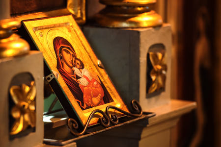 Church icon of Mother of God Mary and child (Jesus Christ) symbols christianity 新聞圖片