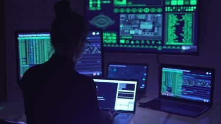 サイバースペースにおけるハッカーコーディング