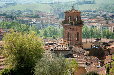 A partial view of Castelfiorentino, with the bell tower of the Saint Leonardo and Lorenzo church Banco de Imagens
