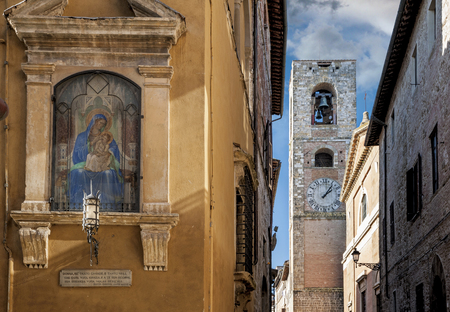 The medieval town of Colle Val dElsa, in province of Siena Stock Photo