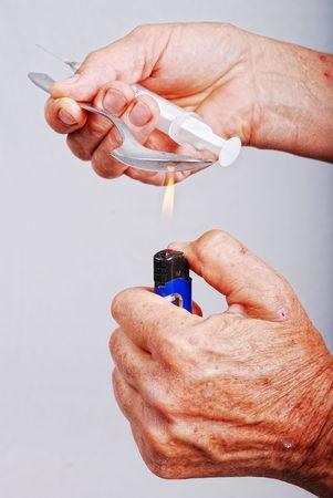druggie: Attivit� addict droghe e alcuni strumenti utilizzati