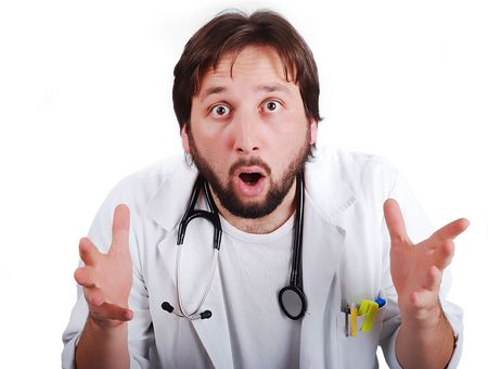 male doctor: Giovane medico di sesso maschile con il volto molto sorpreso Archivio Fotografico