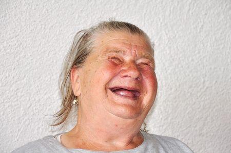 mujer fea: Edad de a�os a persona de sexo femenino, cara muy encantadora y divertida Foto de archivo