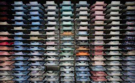 shelfs: Shirt shelfs, fashion colored shirts