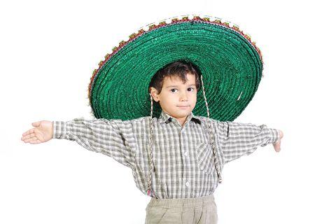 traje mexicano: Niño lindo con sombrero mexicano en cabeza