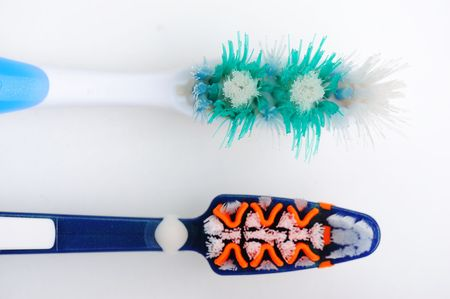 New and used tooth brushes photo