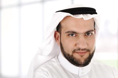 head-dress: Nowoczesne biznesmen arabski