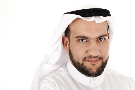 middle eastern clothing: Uomo ritratto arabo isolato