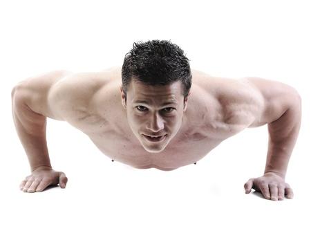 levantamiento de pesas: El cuerpo masculino perfecto - impresionante culturista posando