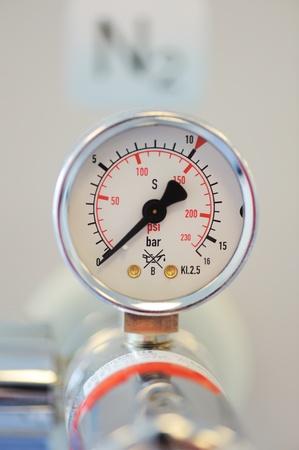 nitrogen: Barometer, nitrogen in hospital lab