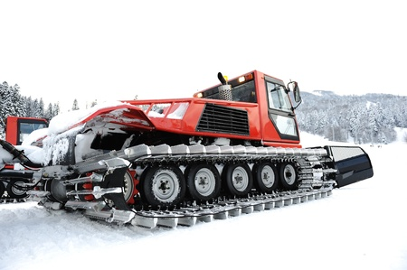 snowcat: Snow vehicle