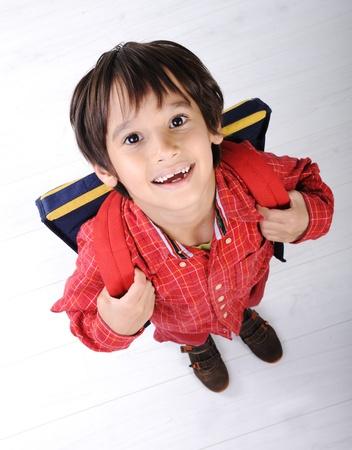 garçon ecole: School boy avec sac � dos Banque d'images