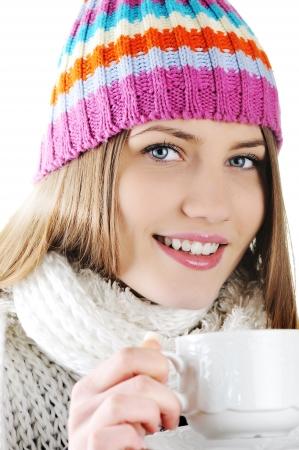 sorbo: Happy Winter Beautiful Girl beber t� caliente
