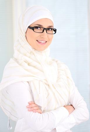 mujeres musulmanas: Confiado mujer musulmana Foto de archivo