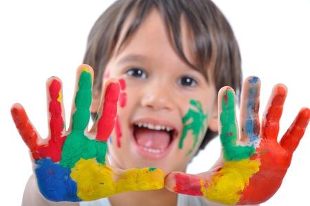 vibrant colors fun: Bambino felice con vernici sulle mani