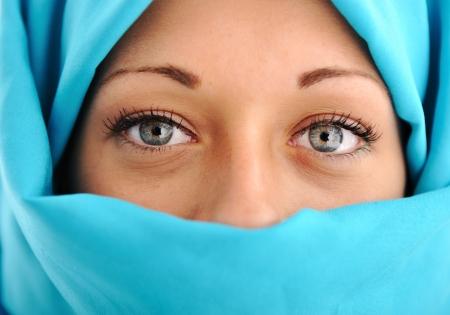 femme musulmane: Jeune belle femme musulmane Banque d'images