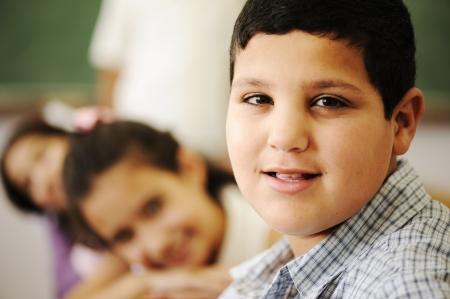 petite fille musulmane: Les enfants de classe de l'�cole Banque d'images