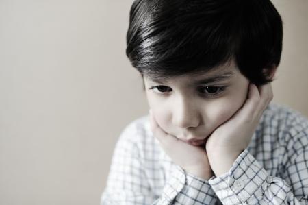 occhi tristi: Bambino ritratto Archivio Fotografico