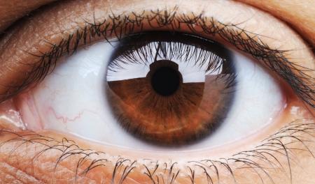 Nahaufnahme des menschlichen Auges, Makro-Modus