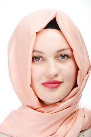 아름 다운 젊은 무슬림 소녀 초상화