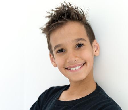 niños sonriendo: Cara del muchacho