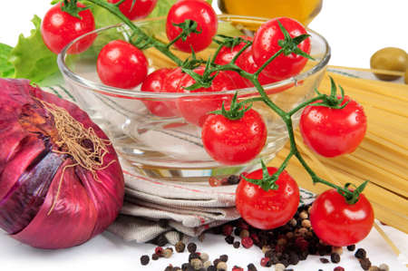 cherry tomatoes with spaghetti photo