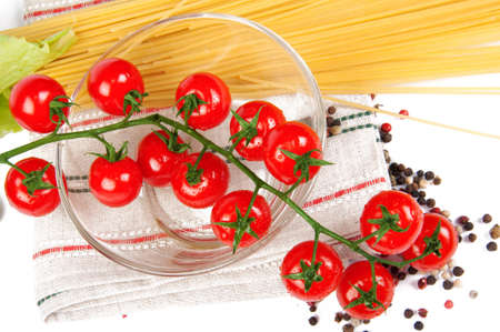 cherry tomatoes with spaghetti Stock Photo - 12605801