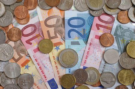 Monete e banconote - euro Archivio Fotografico - 6364172