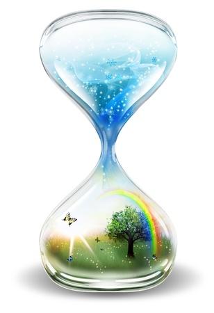 reloj de arena: reloj de arena con el invierno y el verano sobre un fondo claro Foto de archivo