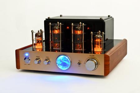 amp: Vacuum tube stereo amplifier