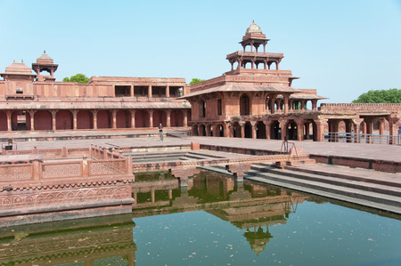 fatehpur: deserted town fatehpur sikri reflecting in the pond - ndia - rajasthan - agra Stock Photo