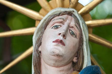 gloriole: closeup of the holy maria statue