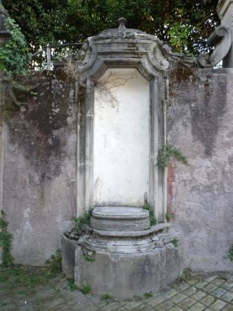 An empty white niche at Villa Sciarra in Rome, Italy Stock Photo - 24690794
