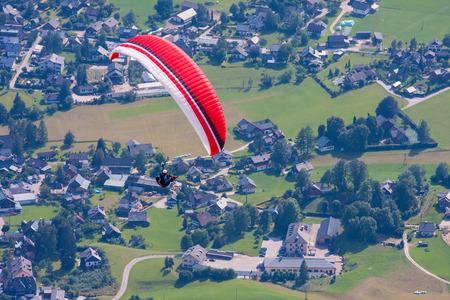 parachuting: Extreme parachuting in high mountains Alps Austria
