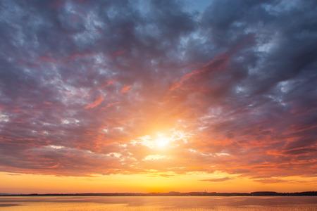 Beautiful sunset ovet the lake Alps Austria Standard-Bild