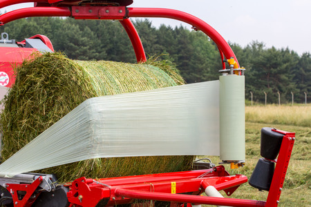 baler: Baler wrapper working on the green field